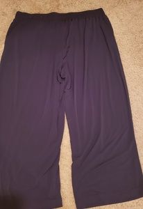 Slinky black Capri pants